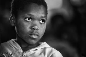 Aider les enfants traumatisés à reprendre pied après la « guerre contre le sida »