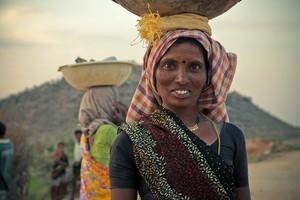 Redonner de la dignité et de l'espoir aux veuves indiennes