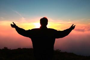 10 versets bibliques sur la louange